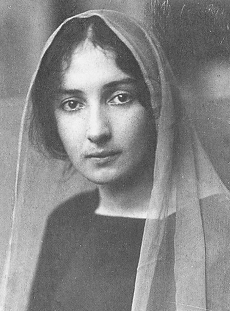 Белла Розенфельд, первая жена Марка Шагала и учащаяся Высших женских курсов Герье