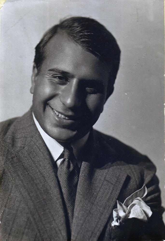 Николай Костаки. Вторая половина 1930-х годов.