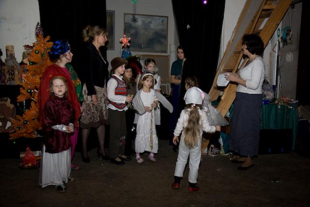 Репетиция рождественского спектакля в мастерской