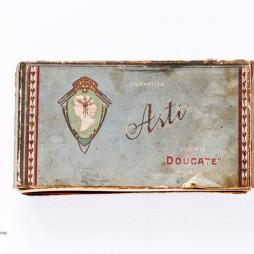 Коробка от папирос фабрики «Дукат». Начало XX века. . Из собрания фабрики «Лиггетт-Дукат».