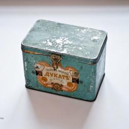 Коробка от папирос фабрики «Дукат». Начало XX века.