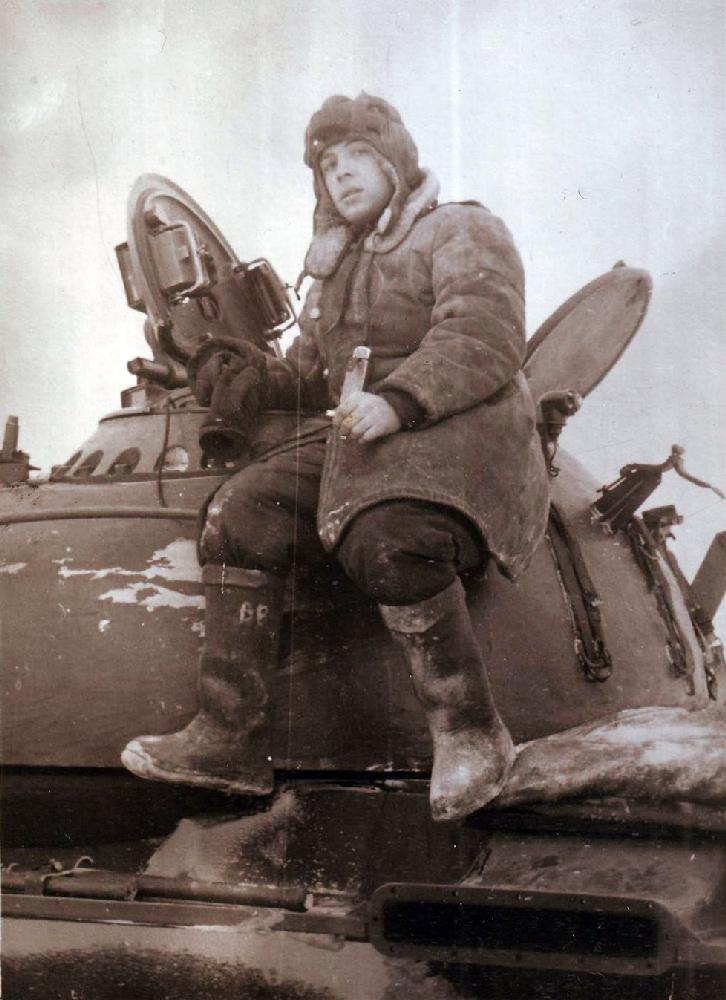 Виталий Воеводин в армии, житель квартиры № 17. 1961 год