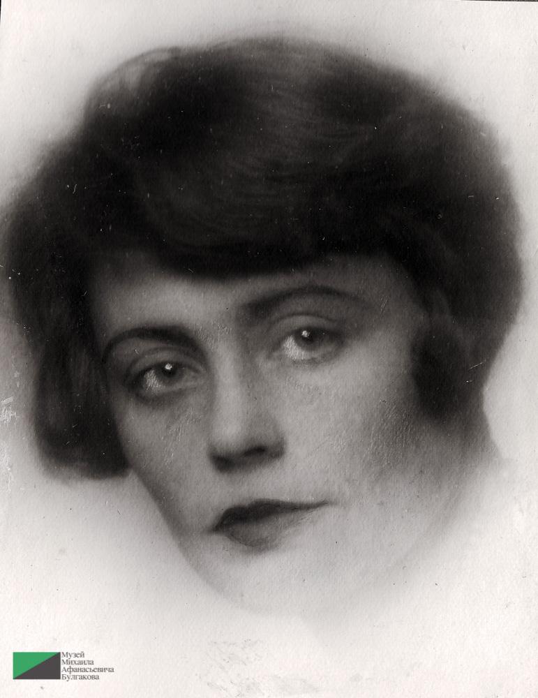Подруга семьи Суходревов Елена Дмитриевна Зубцова, проживавшая с ними в квартире № 28 на Большой Садовой. 1920-е гг.
