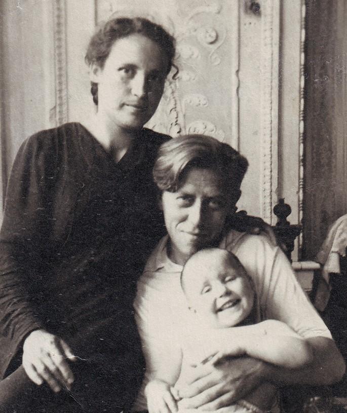 Foto_sosedi_po_kommunalke_1950-60-e_02