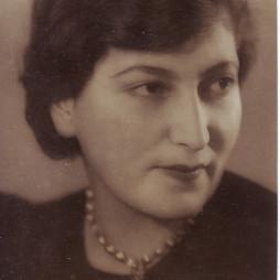 Софья Тадэ. 1940-е годы. Дар Ирены Исааковны Подольской
