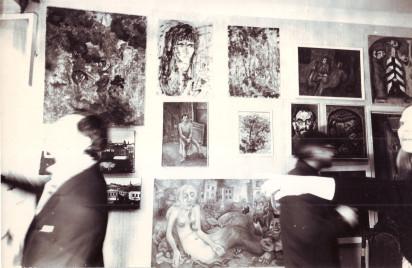 Вернисаж в квартире Людмилы Кузнецовой. Около 1978. Из личного архива А.В. Кирин