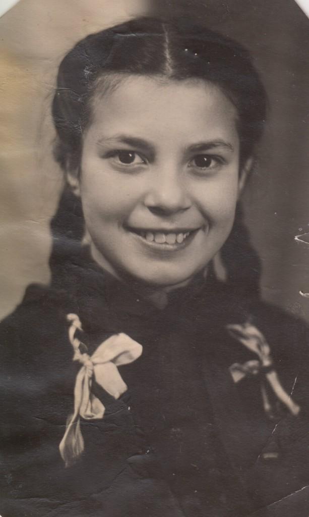 Тамара Степановна Абрамова. Ученица школы № 136. 1948 год