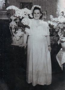 Изабелла Зиновьевна Воложинская в день свадьбы с Наумом Львовичем Мадорским. 1950 год. Из личного архива С. Н. Мадорской