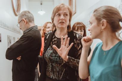 Ольга Бернс на открытии выставки «Дом на Большой Садовой». 26 марта 2015 года. Фотограф Иван Пушкин