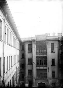 Вид на корпус художественных мастерских. 1920-е годы. Из коллекции Артема Задикяна